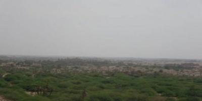 قصف حوثي عنيف على مواقع القوات المشتركة في الجبلية
