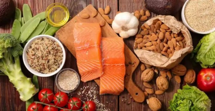 10 أطعمة يجب تناولها عند بلوغ سن الخمسين