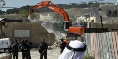 سلطات الاحتلال الإسرائيلي تُجبر مواطن مقدسي على هدم منزله بنفسه
