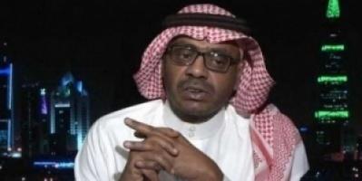 """""""مسهور"""" يشن هجوماً نارياً على مليشيا """"الأحمر"""" لتمزيقهم علم دولة الإمارات في عتق"""