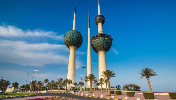 الكويت تقرر رفع الرسوم على الوافدين