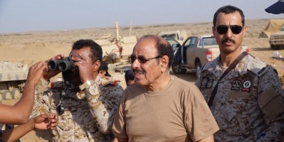 """""""اليافعي"""": مليشيات الإخوان تنهب عتق مثلما حدث بعدن عام 1994"""