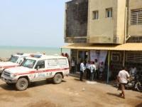 هلال الإمارات يقدم كميات من الأدوية لمستشفى المخا العام