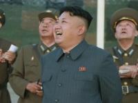 """زعيم كوريا الشمالية يُشرف على تجربة سلاح"""" مطور حديثًا"""""""