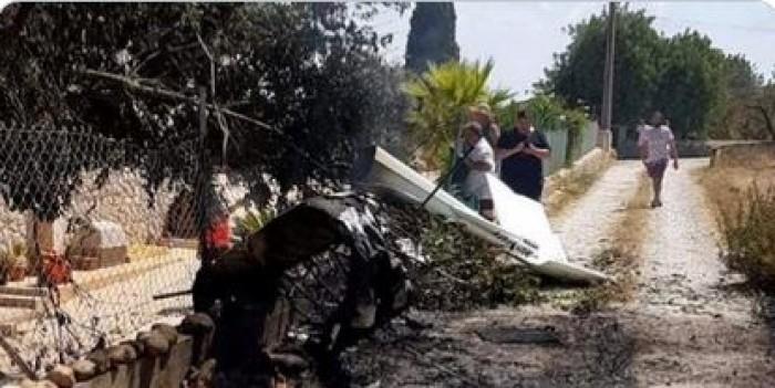 مصرع 7 أشخاص بينهم طفلان في تصادم طائرة بمروحية بإسبانيا