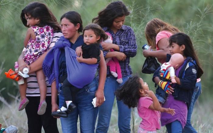بسبب احتجاز أطفال المهاجرين.. 20 ولاية أمريكية يقاضون ترامب