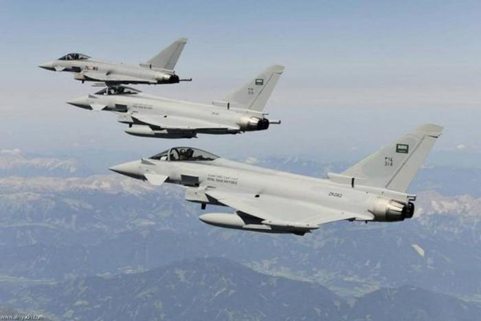 طيران التحالف يشن 5 غارات جوية على مواقع الحوثيين في صعدة