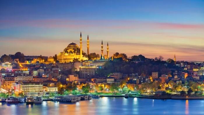 السياح السعوديون يوجهون ضربة موجعة لتركيا