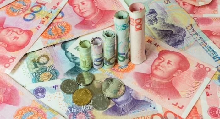 اليوان الصيني يسجل أسوأ أداء له منذ ربع قرن