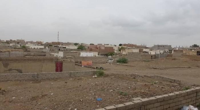 قصف حوثي على مواقع القوات المشتركة بالتحيتا