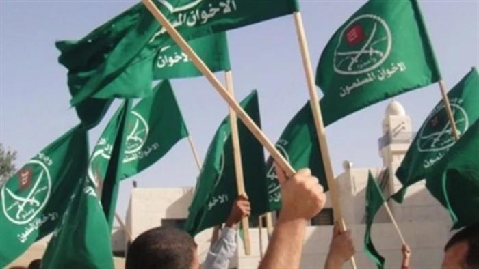 صحفي سعودي يُطالب العرب بالقضاء على الإخوان
