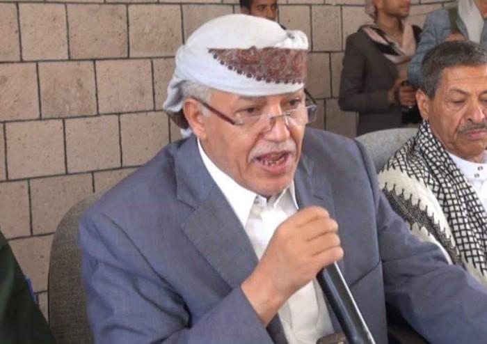 مليشيا الحوثي تتهم محافظهم في إب بالخيانة