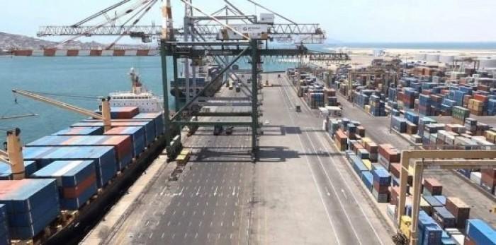 موانئ الخليج تنفي توقف ميناء عدن عن العمل