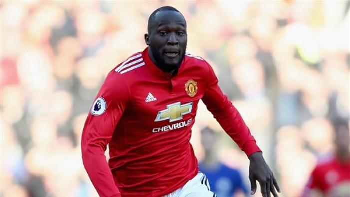 لوكاكو يدعو لوقف العنصرية في كرة القدم