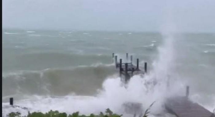 مصرع 5 أشخاص في جزر الباهاما بسبب إعصار دوريان