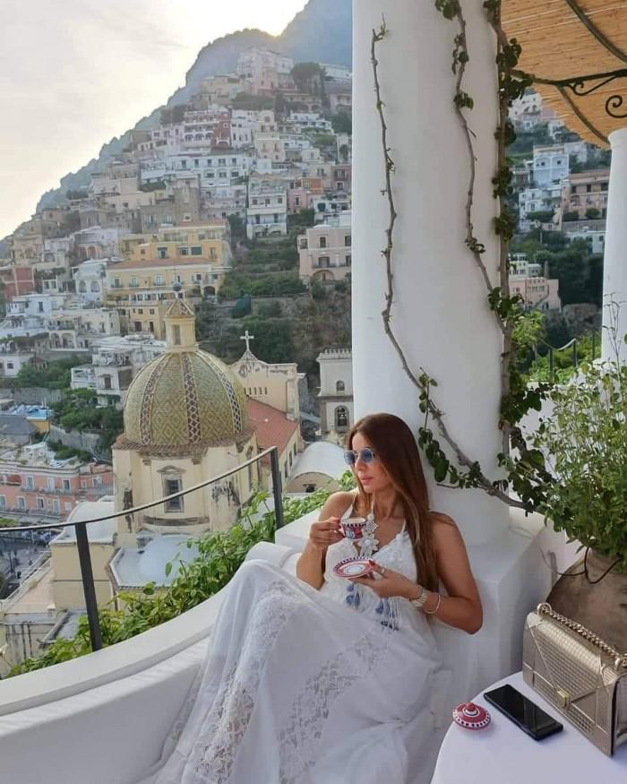 فريال يوسف تنشر صور إجازتها بإيطاليا