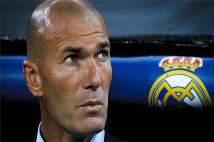 """""""زيدان"""" يفجر مفاجأة من العيار الثقيل عن ريال مدريد.. تعرف عليها"""