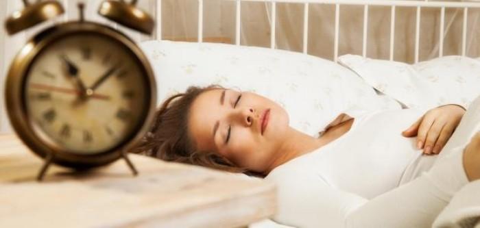 تعرف على مخاطر النوم لأكثر من 8 ساعات يومياً