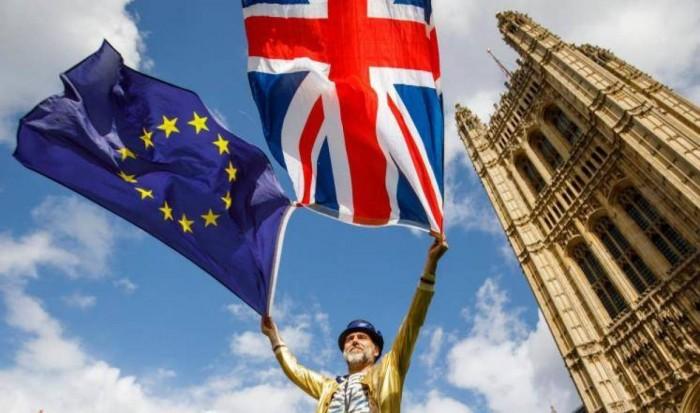 بريطانيا تخصص ملياري جنيه إسترليني لتمويل الخروج من الاتحاد الأوروبي