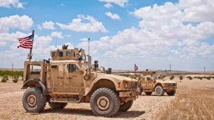 التحالف الدولي يسير أول دورية مشتركة على الشريط الحدودي بين سوريا وتركيا