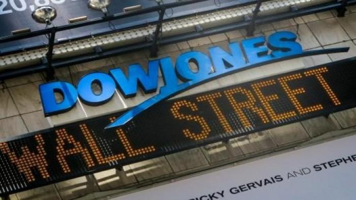 """البورصة الأمريكية تعزز من مكاسبها.. و""""داو جونز"""" يكسب 460 نقطة"""