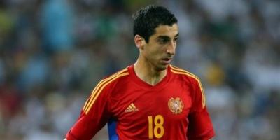 مخيتاريان يلوم الاستهتار بعد خسارة أرمينيا أمام إيطاليا