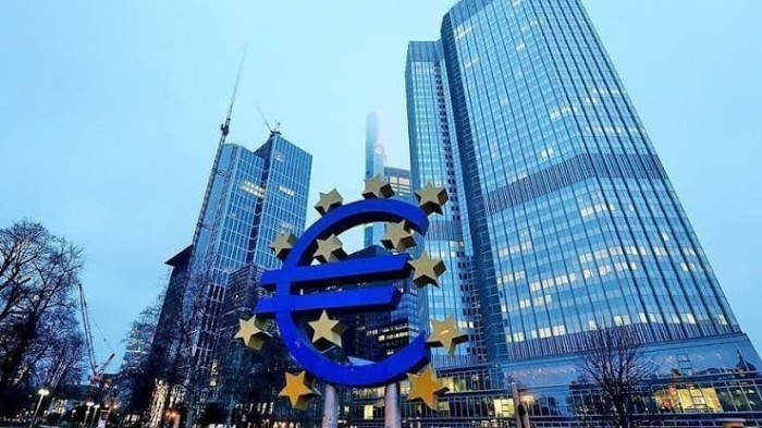 تراجع نمو منطقة اليورو بنحو النصف بفعل الانكماش الاقتصادي