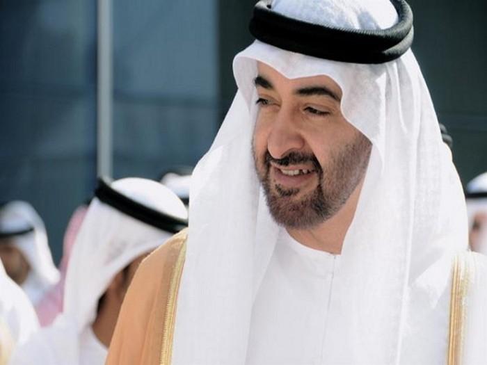 ولي عهد أبوظبي يبحث سبل تعزيز العلاقات الثنائية مع رئيس المجلس السيادي السوداني