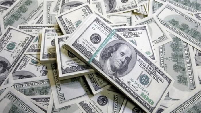 الدولار يستقر عقب تلقيه دعم من بيانات أمريكية متفائلة