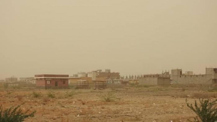 مليشيات الحوثي تقصف مواقع القوات المشتركة في حيس