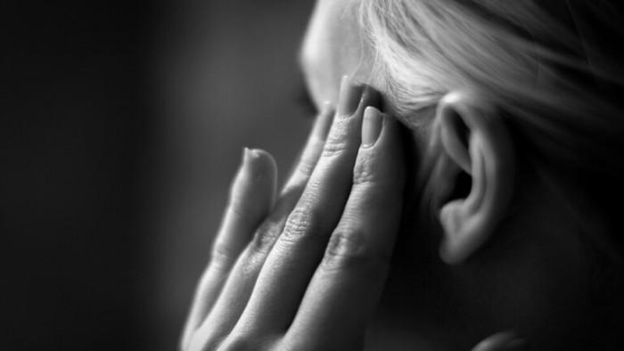 دراسة كندية: الصداع النصفي يسبب الخرف عند النساء