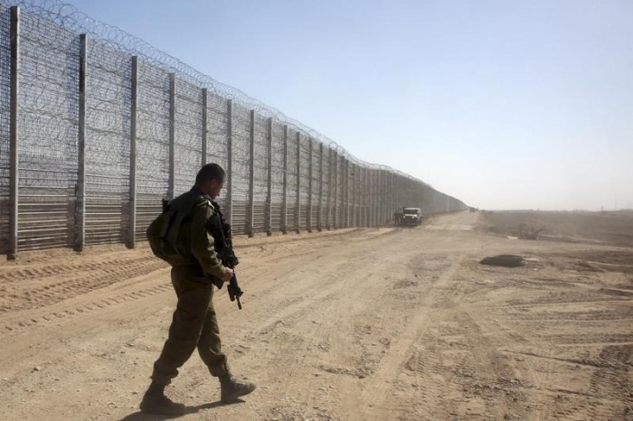 إسرائيل: طائرة مسيرة من غزة اخترقت مجالنا الجوي وأطلقت عبوة ناسفة