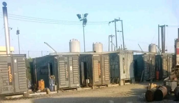 انقطاع الكهرباء بلحج.. واتهامات لحكومة الشرعية بالوقوف ورائها