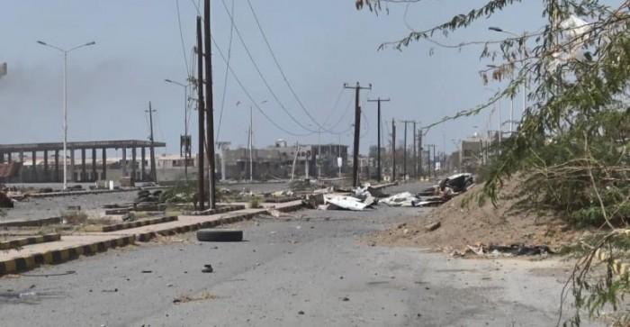 مليشيات الحوثي تقصف مواقع القوات المشتركة شرق الحديدة