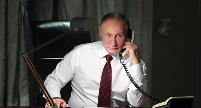 هاتفيًا.. بوتين وزيلينسكي يبحثان تسوية النزاع في إقليم دونباس