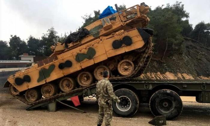 دبابات تركية تبدأ دوريات مشتركة مع القوات الأميركية بشمال سوريا