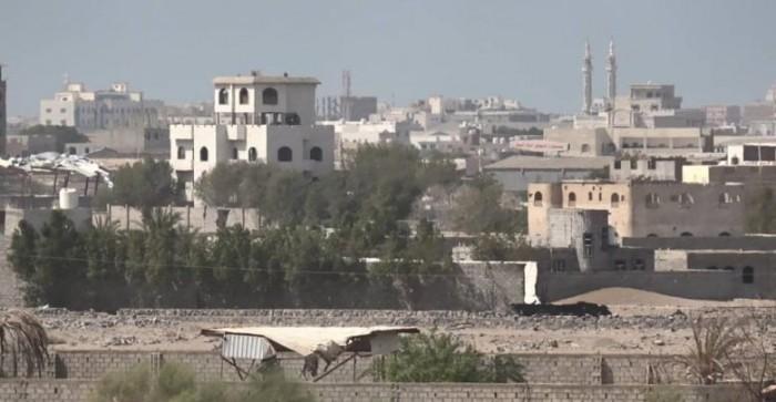 تزامنا مع اجتماع لجنة إعادة الانتشار.. المليشيات تقصف مواقع القوات المشتركة بالحديدة