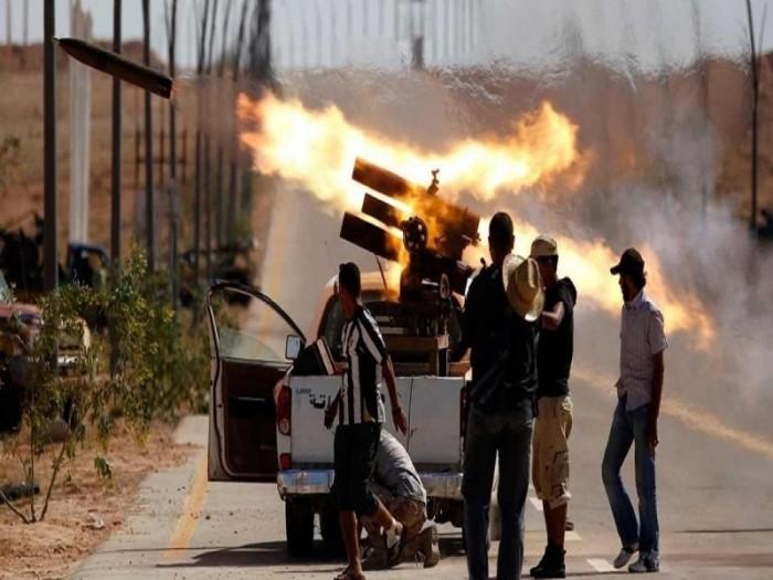 عودة الاشتباكات العنيفة بمحاور طرابلس بعد توقفها لساعات