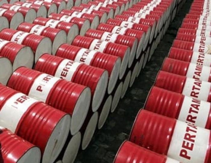 تراجع مخزونات الولايات المتحدة من النفط الخام والبنزين الأسبوع الماضي