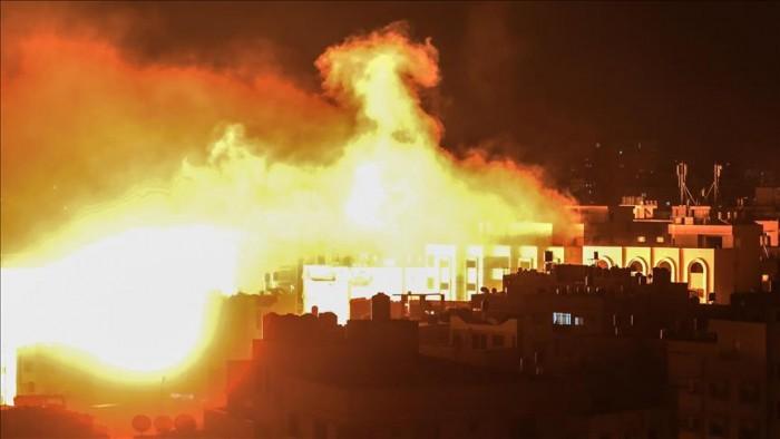 عاجل.. إسرائيل تشن سلسلة هجمات على أهداف متفرقة بغزة