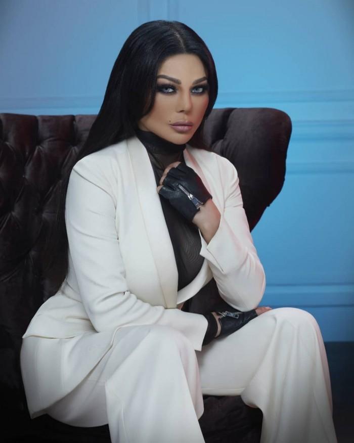"""بالفيديو.. هيفاء وهبي تعلن عن أبطال فيلمها """"عقدة الخواجة"""""""