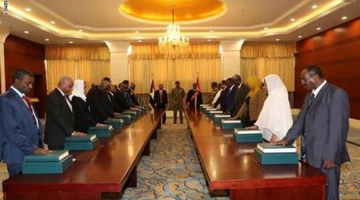 وزير العدل السوداني يؤكد أهمية الاستفادة من تجارب الدول في استخدام القوانين