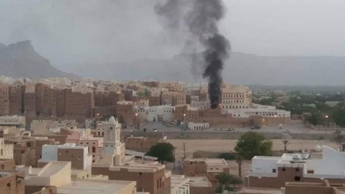 انفجار يهز مدينة شبام وأصابع الاتهام تشير إلى تورط علي محسن الأحمر (صور)
