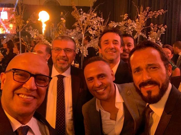 عمرو الليثي بصحبة كريم عبدالعزيز ويوسف الشريف في زفاف أحمد فهمي