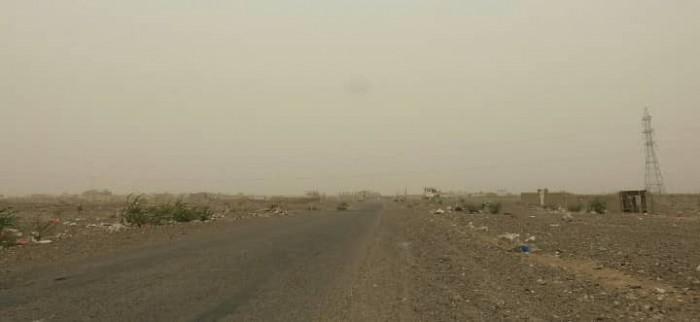 قصف حوثي عنيف لمواقع القوات المشتركة بحيس