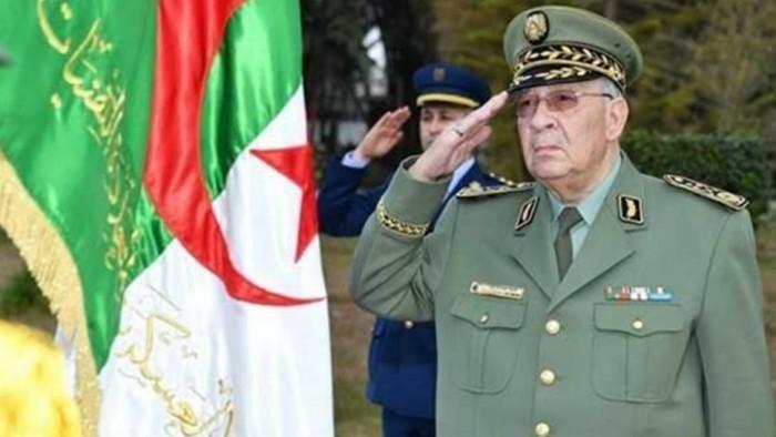 رئيس أركان الجيش الجزئري: لا مكان لأعداء نوفمبر في البلاد ولا لمسك العصا من الوسط