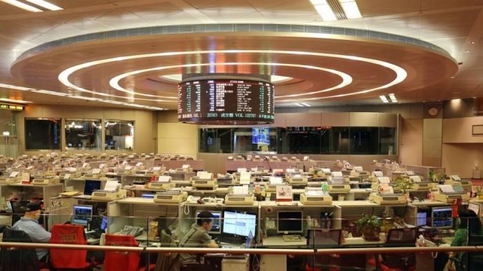 بورصة هونج كونج تسعى للاستحواذ على بورصة لندن بهذا الرقم
