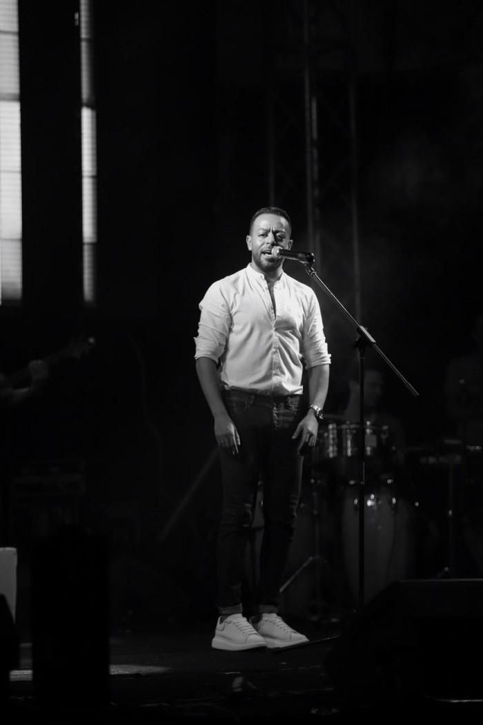 تامر عاشور يتألق بحفله الغنائي الأخير (صور)