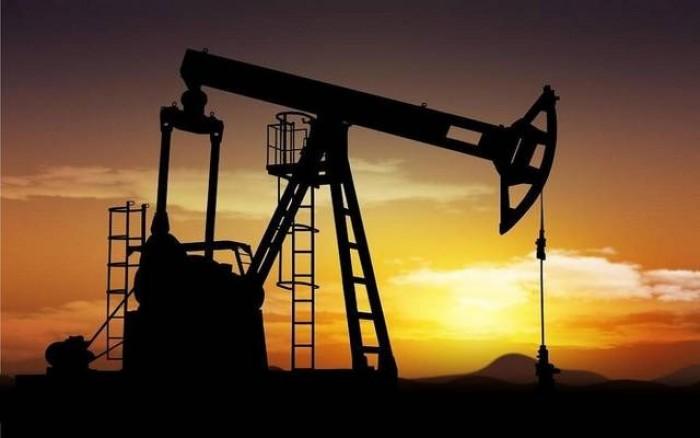 النفط يتراجع بفعل مخاوف النمو العالمي وتباطؤ الطلب