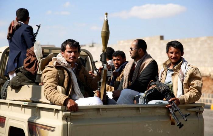 سياسي يُطالب التحالف بمعاقبة الحوثيين.. لهذا السبب